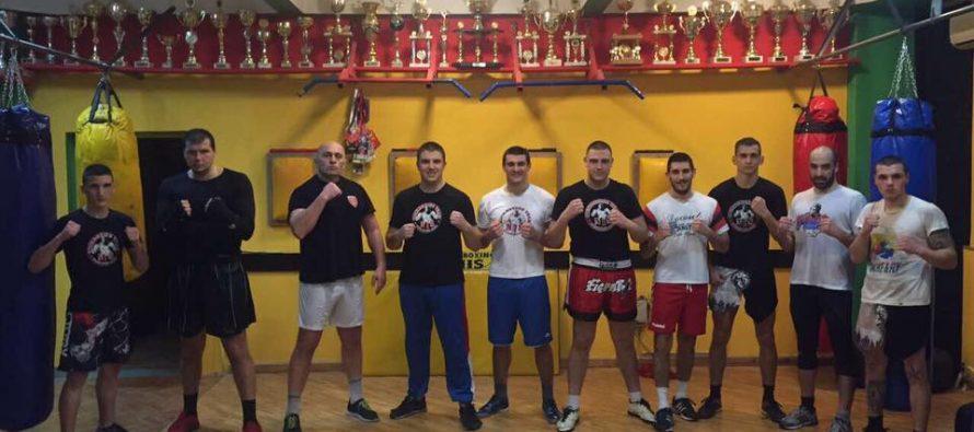 Borci Kik boks kluba Niš na dva fronta