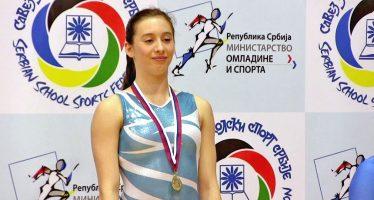 Zlato za nišku gimnastičarku na Državnom školskom prvenstvu (VIDEO)