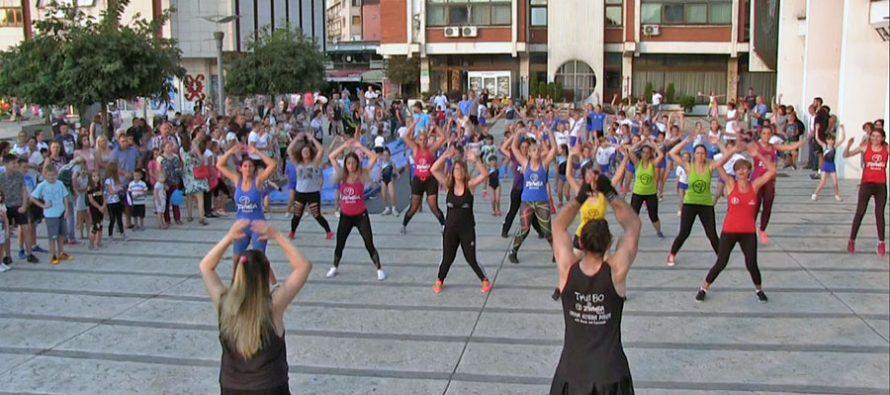 U Pirotu održan Javni čas fizičkog vežbanja (VIDEO)
