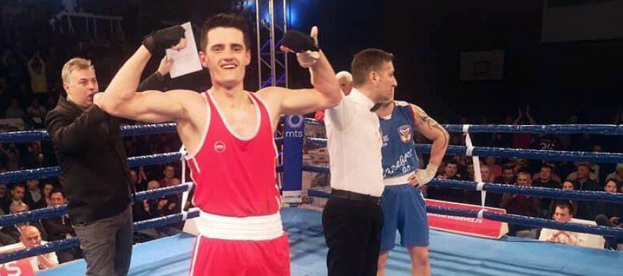 Niški bokser sjajan i u dresu Loznice