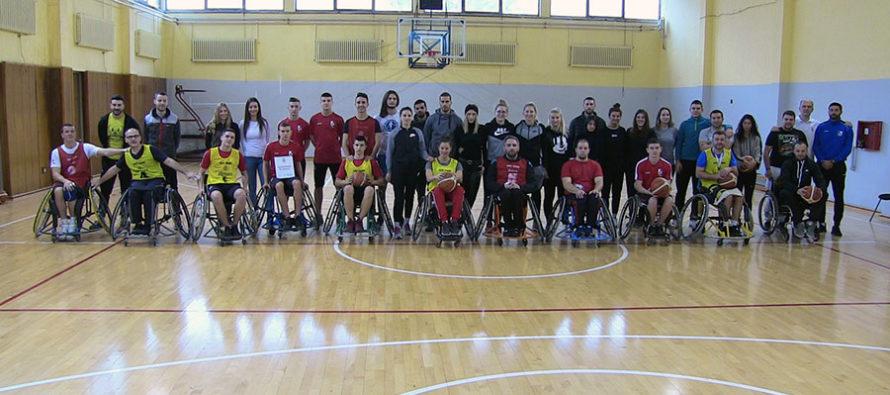 Pomoć Radničkog košarkašima u kolicima (VIDEO)
