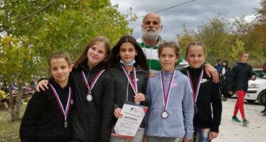 "Mlade atletičarke ""Niškog maratona"" uspešne na prvenstvu  u krosu"